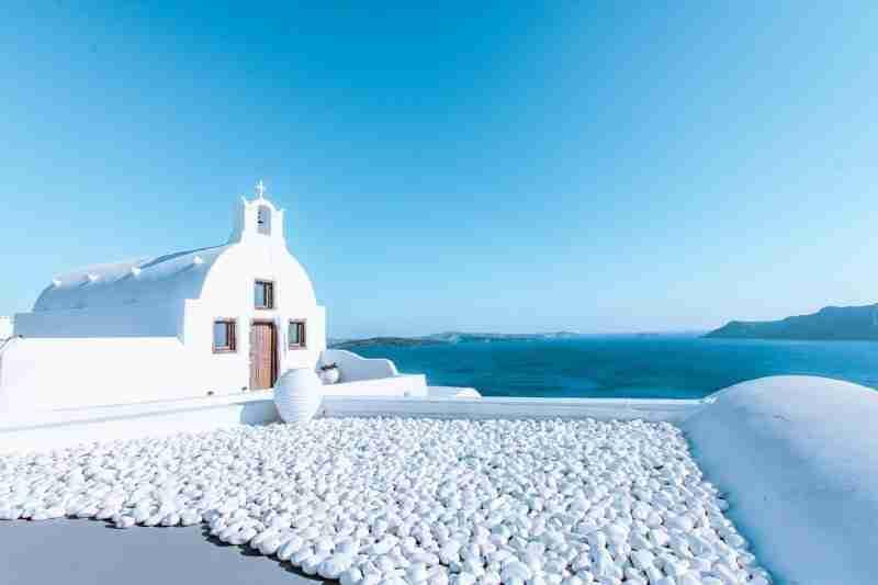 santorini on a budget oia church the fearless wanderess